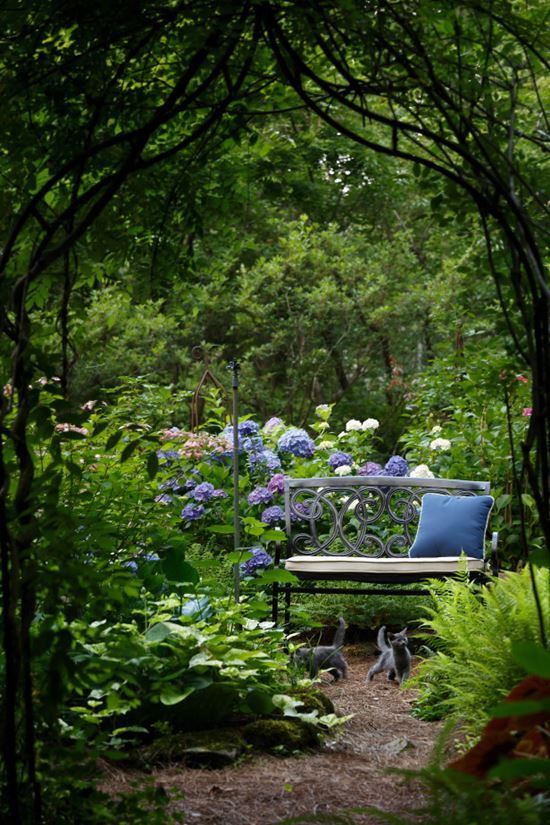 Romantic-Garden-Arbors-1