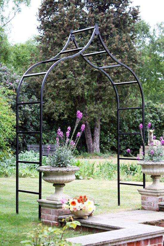 Romantic-Garden-Arbors-10