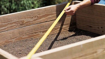 how-to-build-a-raised-bed-2-square-it-up