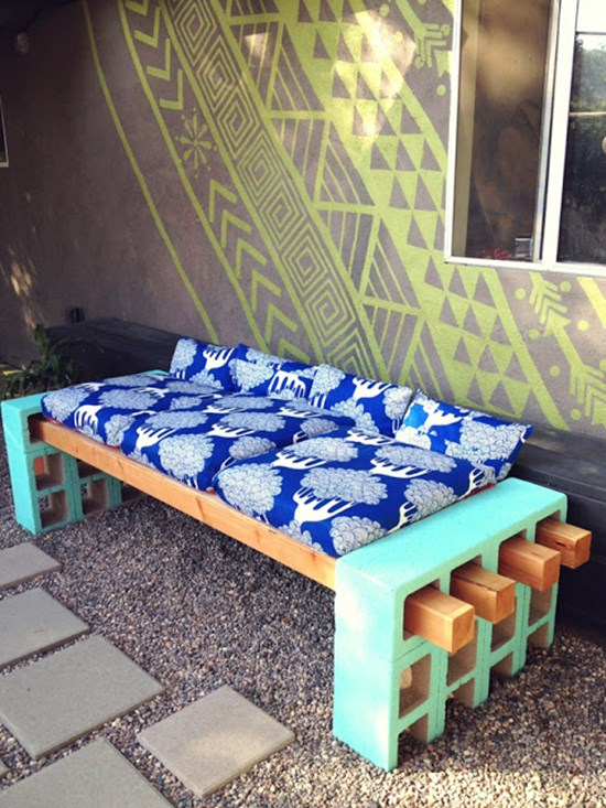 2) DIY outdoor seating