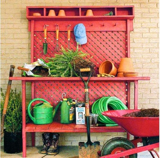 Diy potting bench plans to make your gardening easier for Potting shed plans diy blueprints